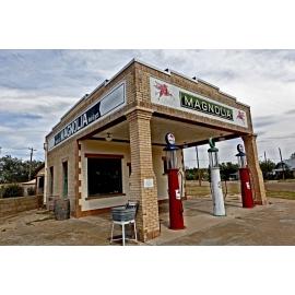 Shamrock Magnolia Station